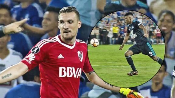 FRANCO ARMANI Y LA ATAJADA DEL PARTIDO - ESPN Video