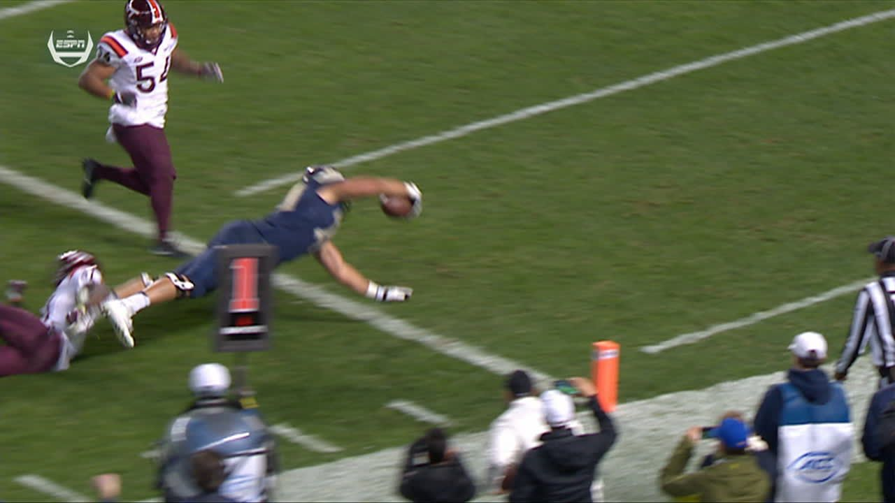 Offensive lineman takes handoff and dives for Pitt TD ...