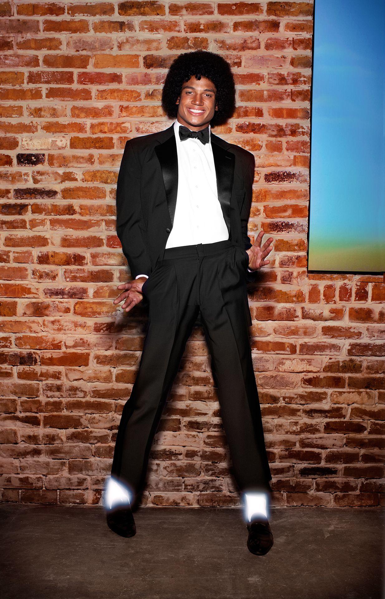 George Freeman, quarterback de los Bucs posa a lo Michael para Revista. I?img=%2Fphoto%2F2013%2F0204%2Fjackson%2F2-1235X1920