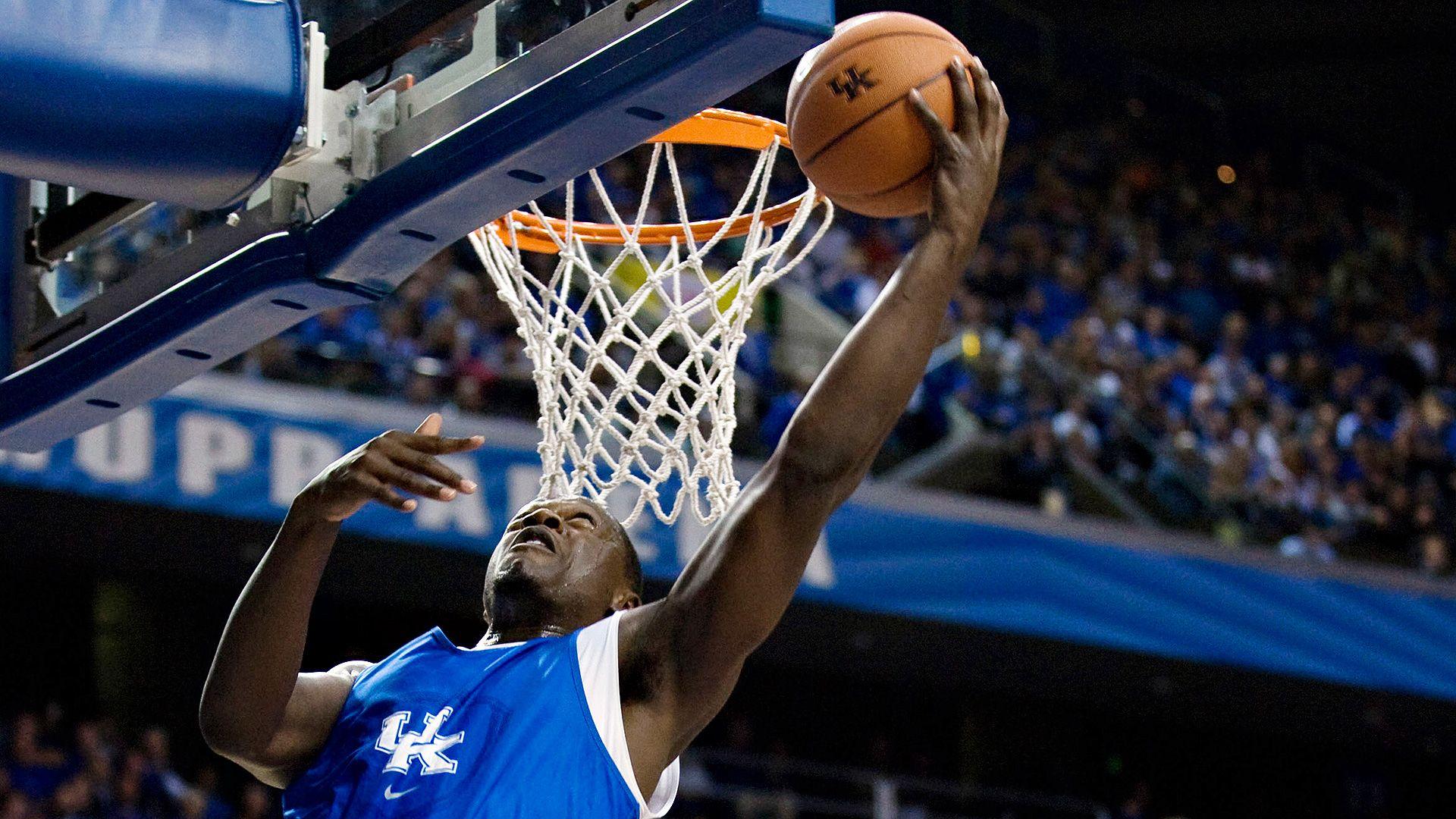 Kentucky Wildcats start No. 1