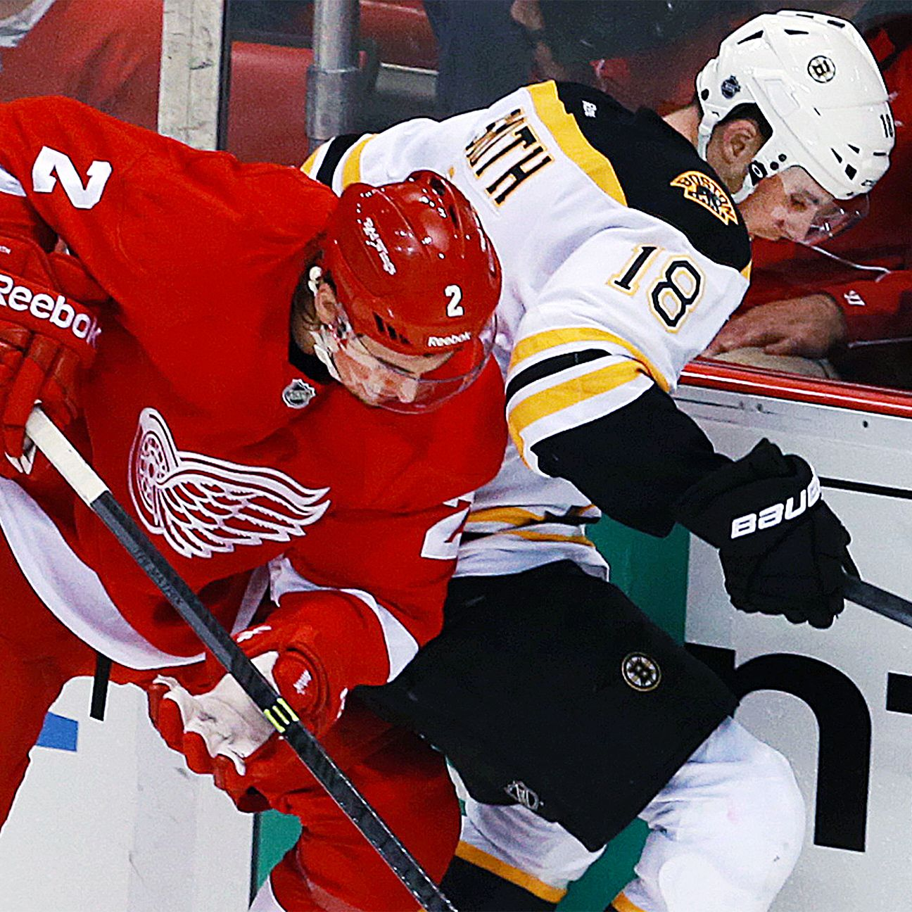 Brothers Smith Face Off: Bruins' Reilly Vs. Red Wings