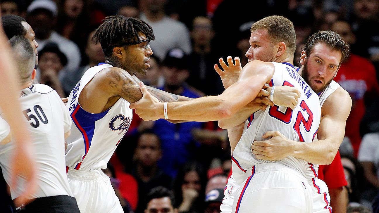 Blake Griffin frustrated by fouls