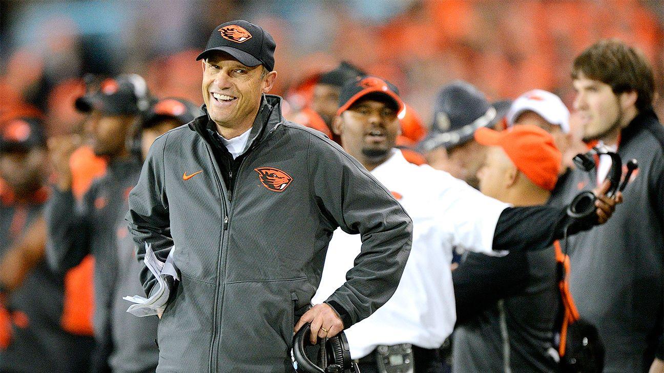 Nebraska hires Mike Riley to replace fired Bo Pelini