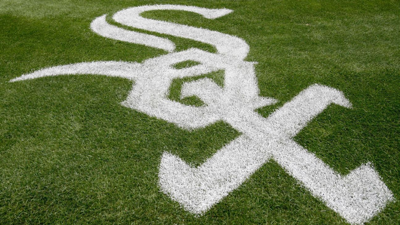 Danny Farquhar of Chicago White Sox suffered brain hemorrhage during Friday's game