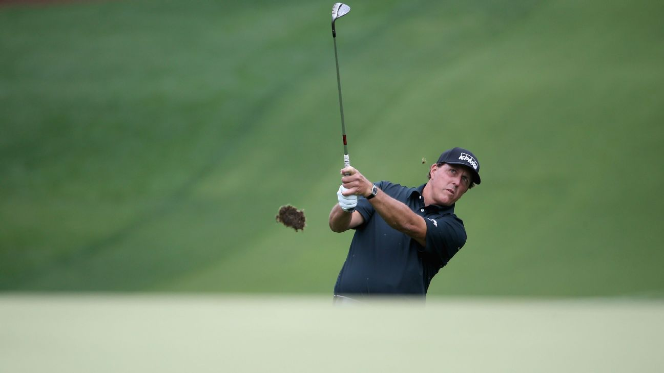 Phil Mickelson soars into contention at Quail Hollow in the Wells Fargo Championship