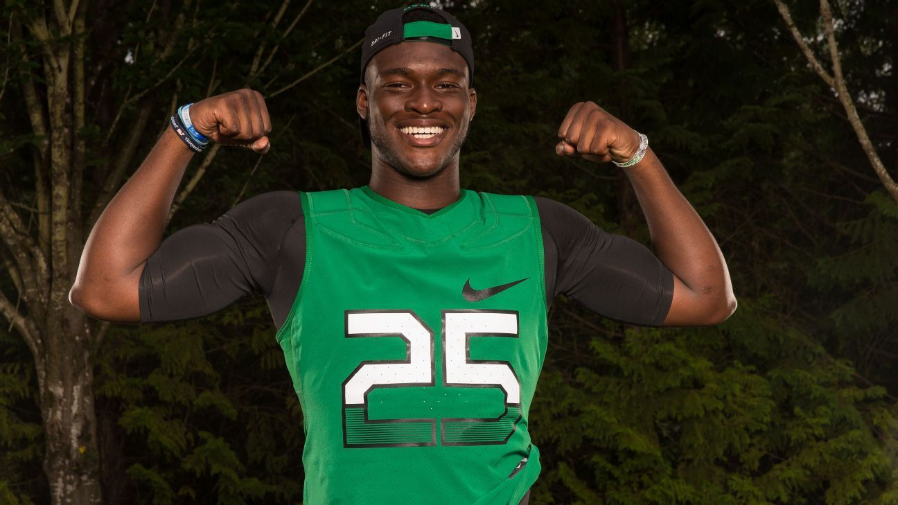 Scout's Take: WR OrTre Smith to South Carolina - On The Trail- ESPN