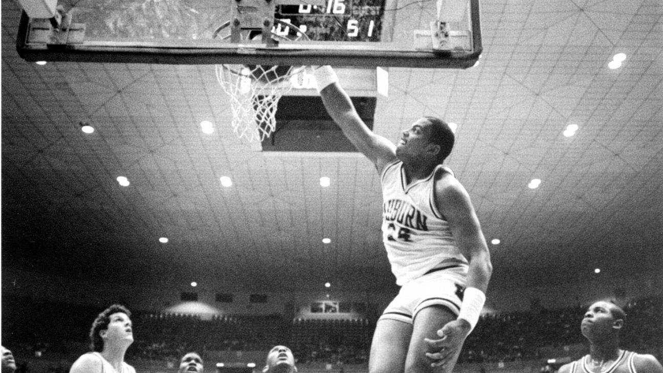 Auburn Tigers to honor Charles Barkley with statue on campus