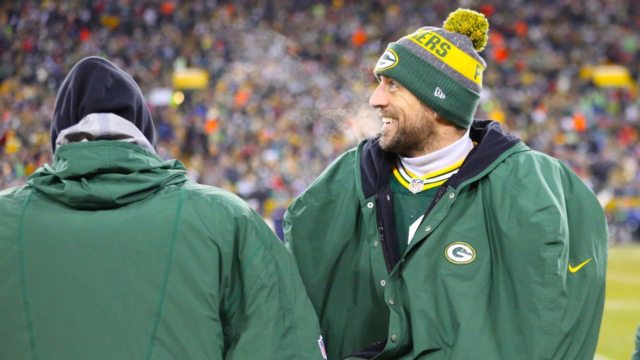 Seven ways NFL players stay warm in frigid conditions - NFL