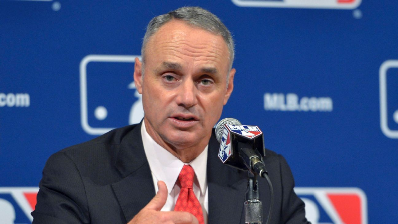 MLB to implement code of conduct for fans at ballparks in 2018