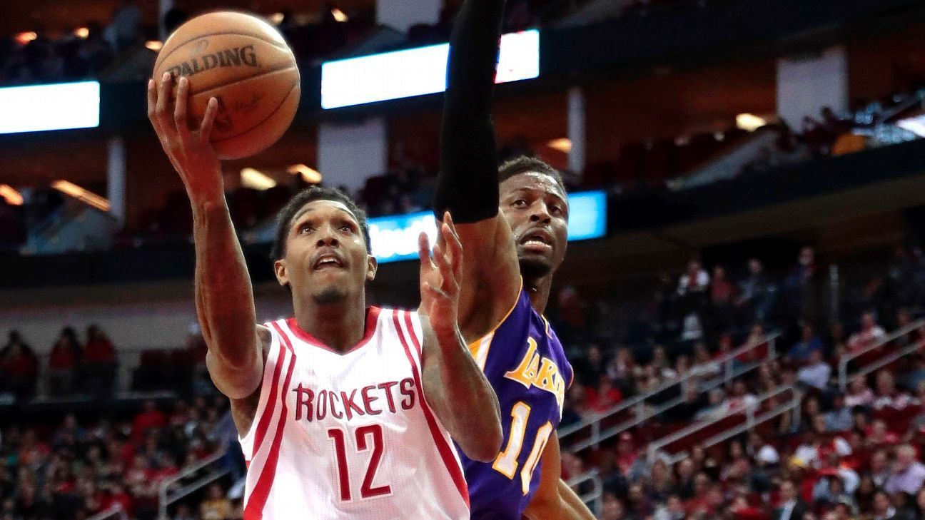 Lou Williams breaks out of slump against former team