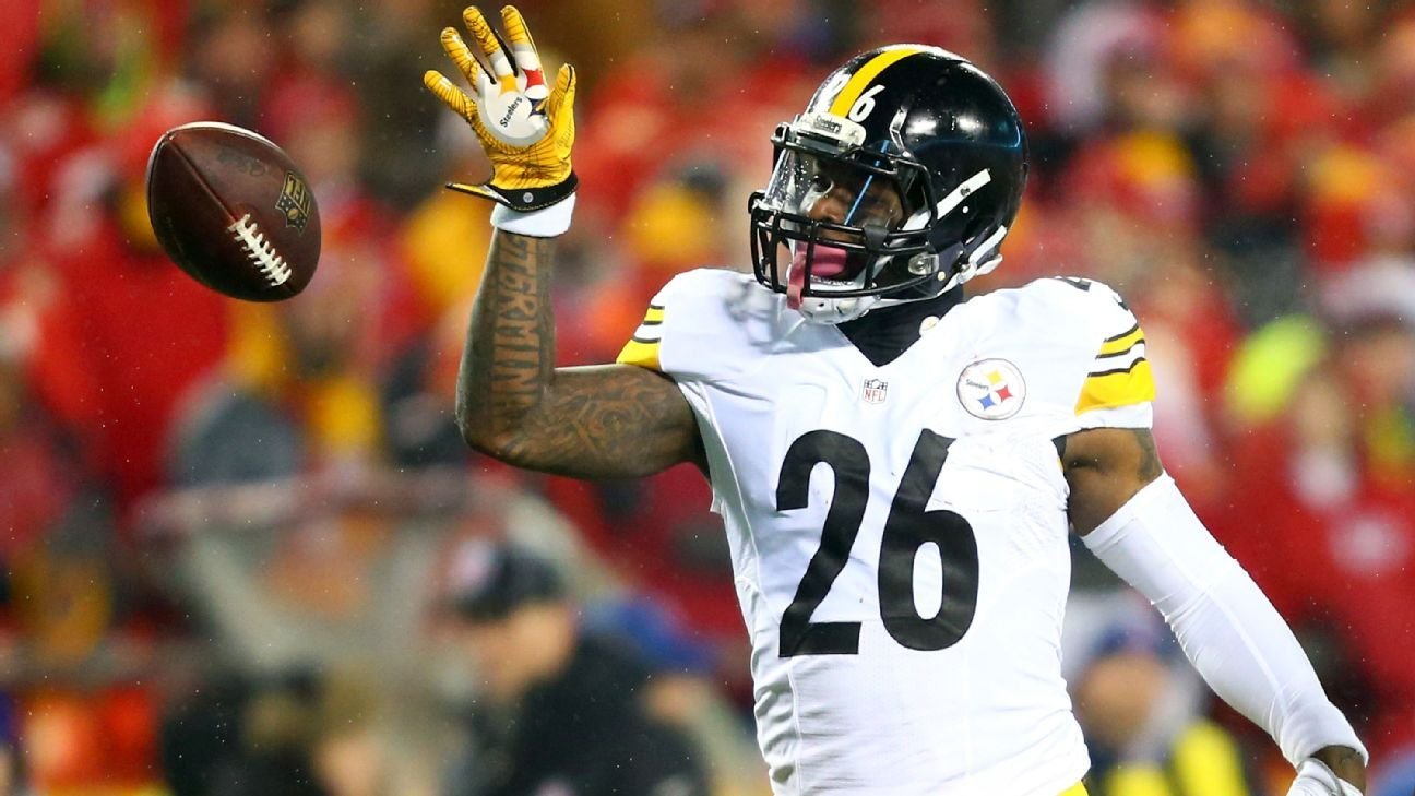 Running back Le'Veon Bell is not expected to report to the Steelers this week, a source told ESPN's Adam Schefter.