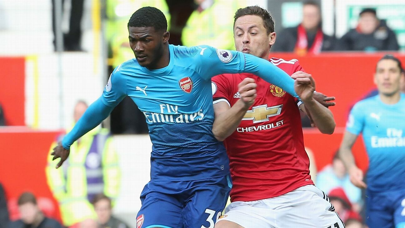 Maitland-Niles pens 'long term' Arsenal deal