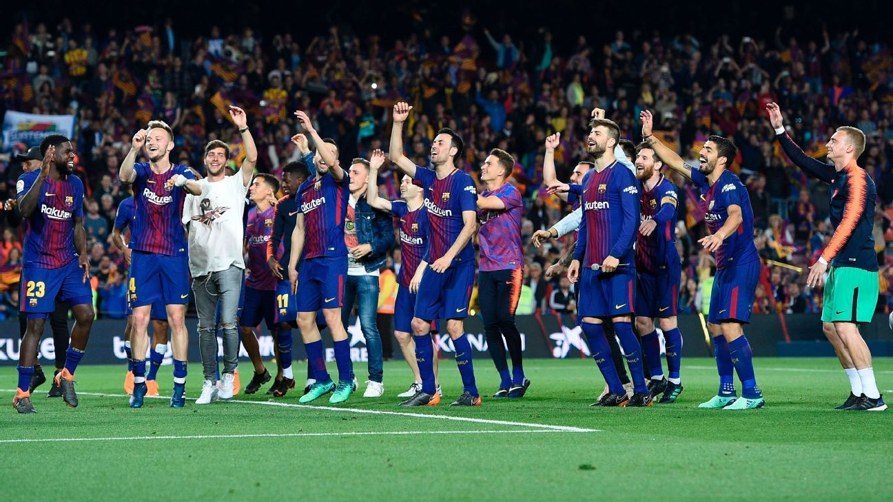Barcelona remain unbeaten, in rough-and-tumble Clasico draw with Madrid