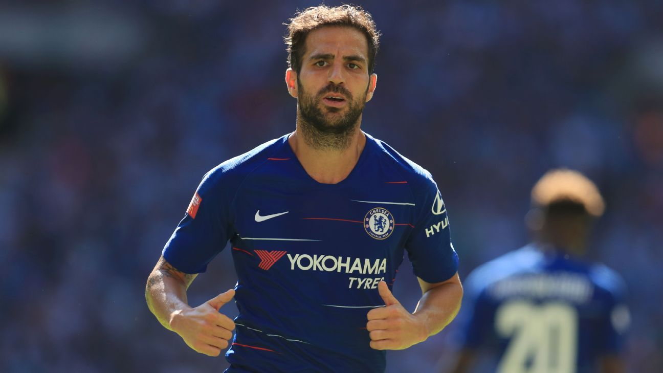 Chelsea's Fabregas out with 'very unusual' injury