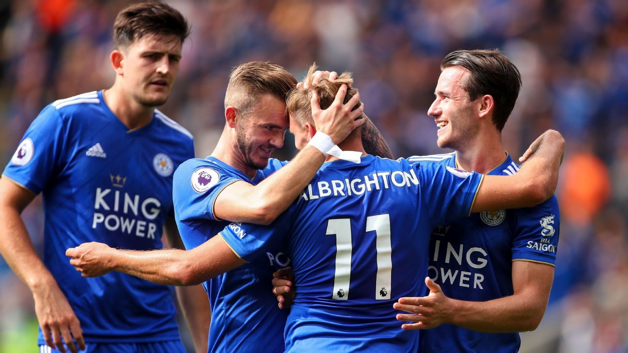 Vardy sees red but Leicester ease to victory