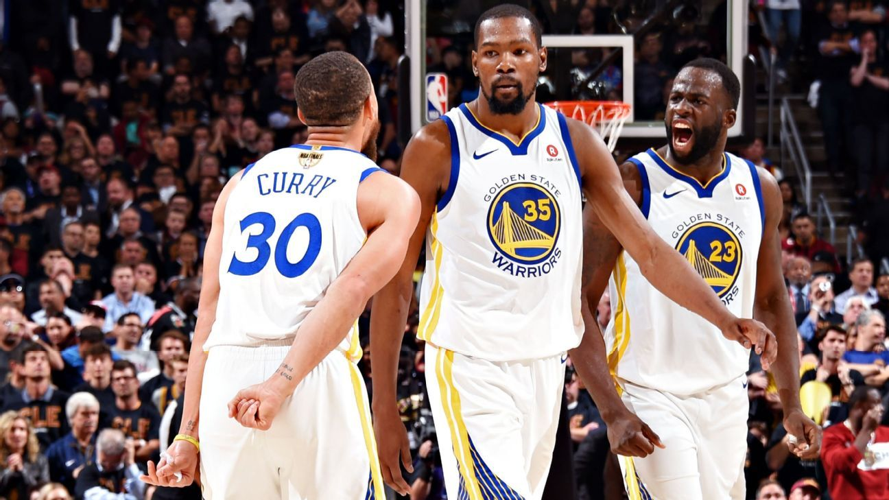 Golden State Warriors players confront Draymond Green for decision-making