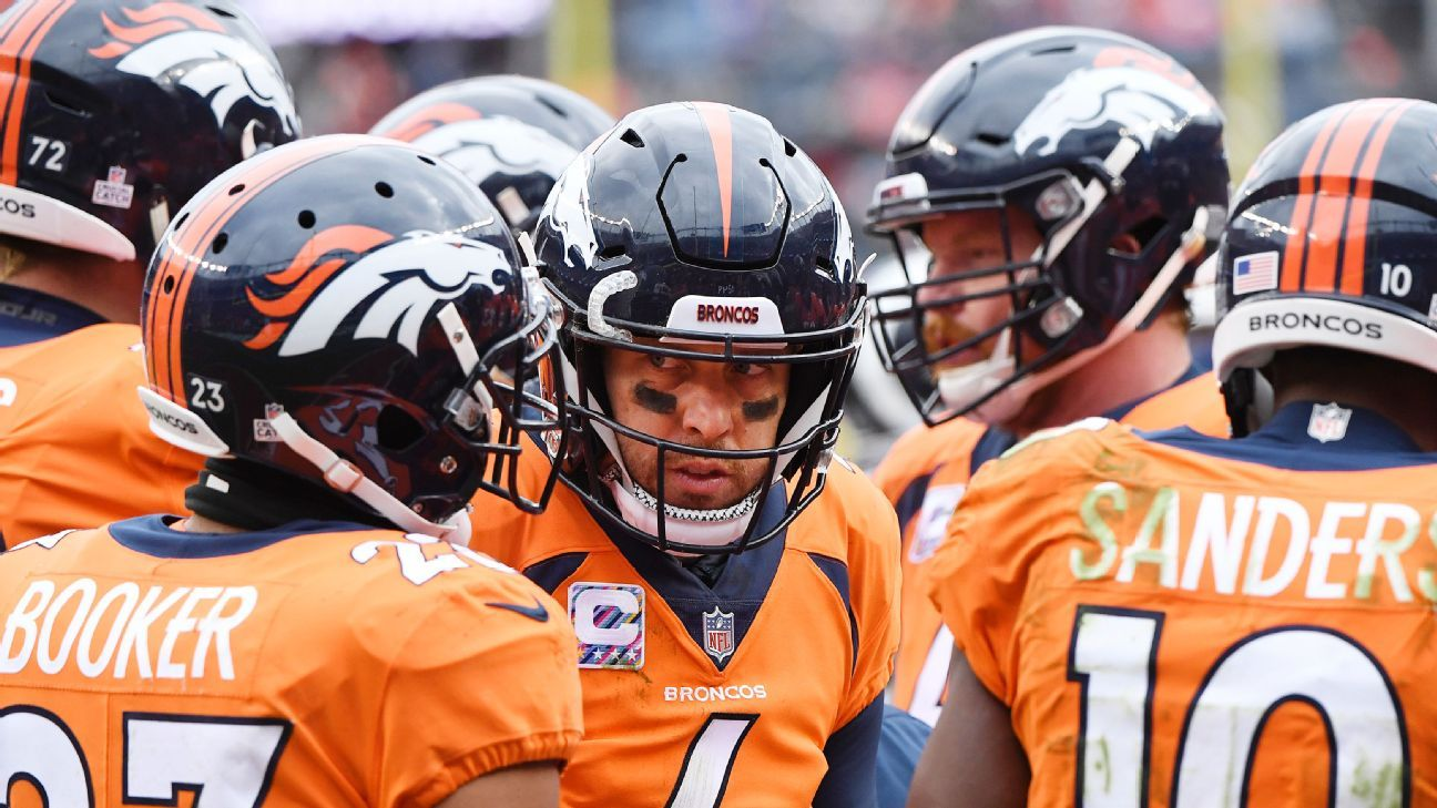 Broncos 'fighting for our lives,' Elway laments