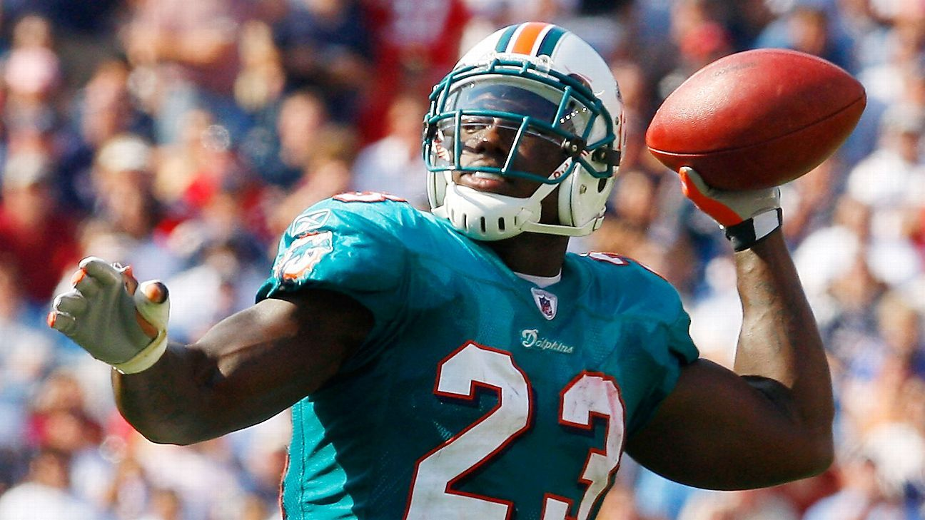 It's been 10 years since one of the most unorthodox game plans in NFL history, when the Dolphins created a gimmick offense to beat the mighty Patriots.