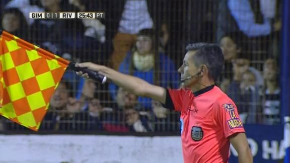 Hubo offside en el gol de ram rez espn video for Offside en el futbol