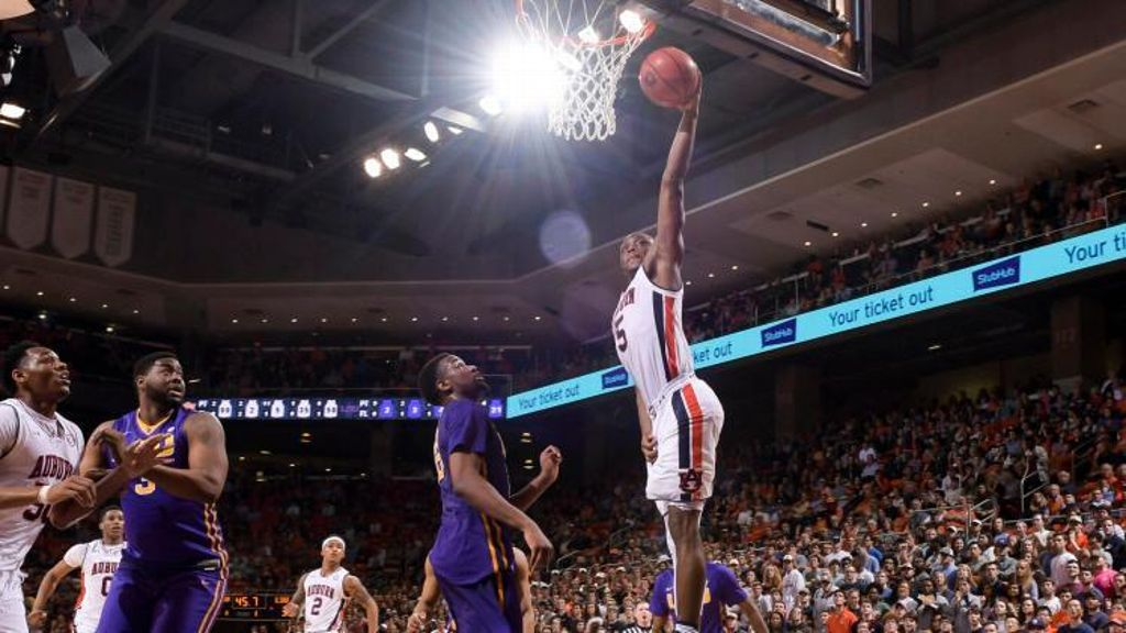 Auburn finds stride in win over LSU