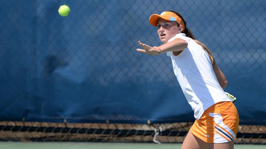 Lady Vols fall at No. 15 Michigan