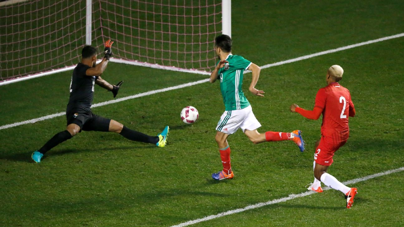 blog match post mexico panama aging warrior oribe peralta scores hirving lozano sparks