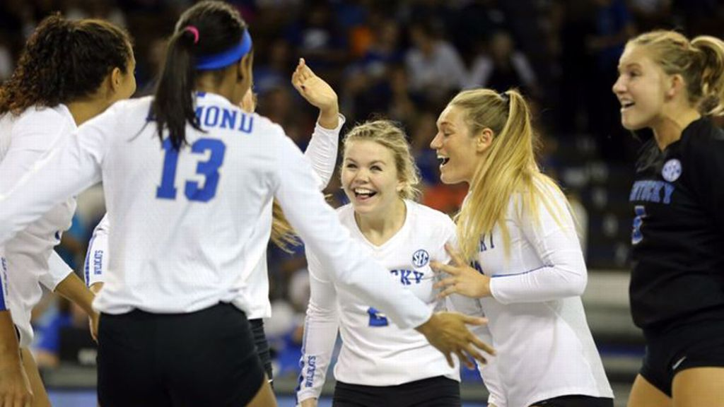 Edmond, Brown lift No. 6 Kentucky to 3-0 sweep of UT
