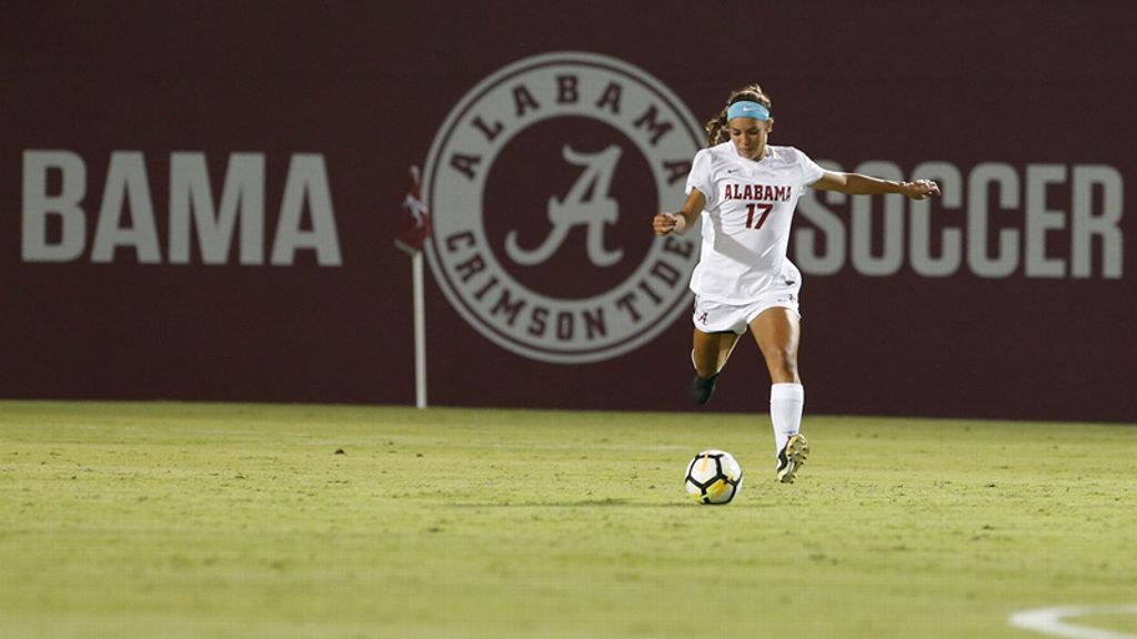 Alabama falls to Clemson 2-1