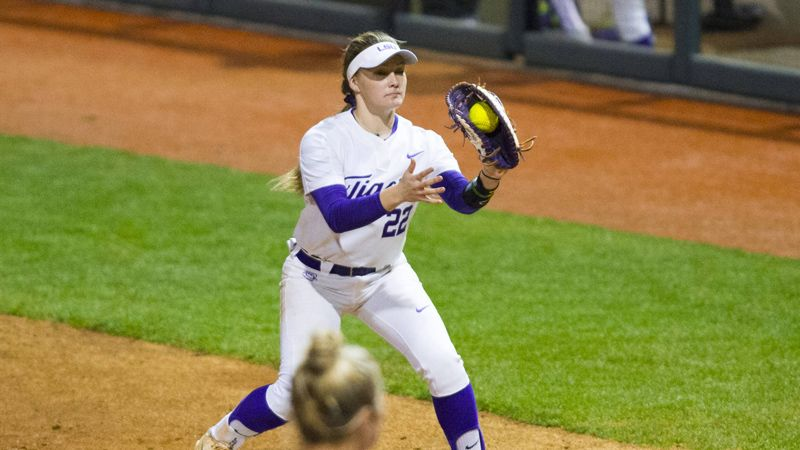 No. 8 LSU splits day vs. Fresno State, No. 4 UCLA