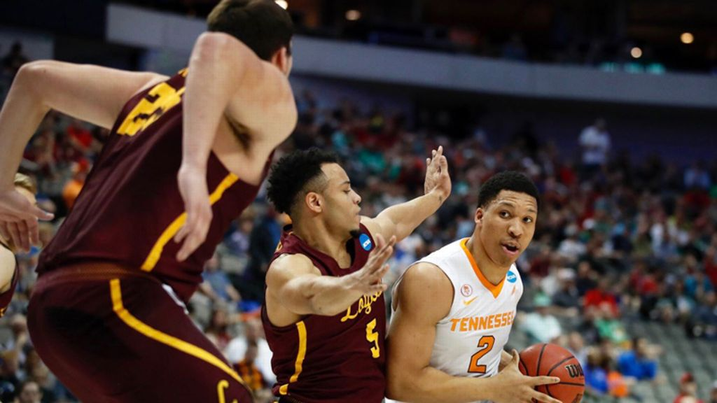 No. 3 seed UT falls to No. 11 seed Loyola-Chicago