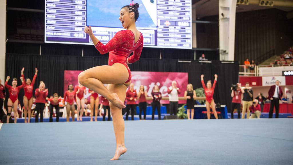 Hogs move on to nationals after taking second in region