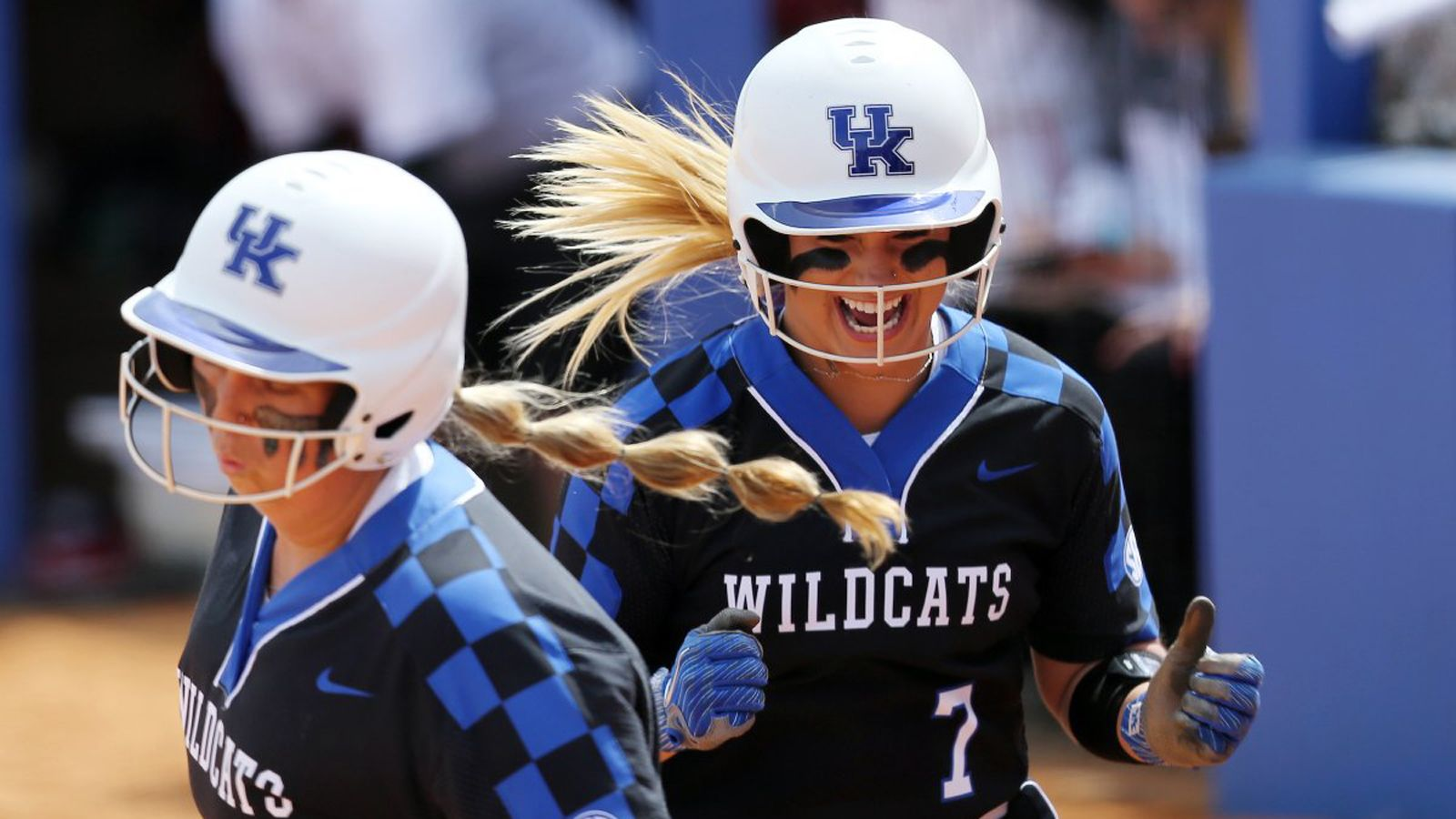 No. 18 Wildcats secure 4-2 victory over No. 7 Bulldogs
