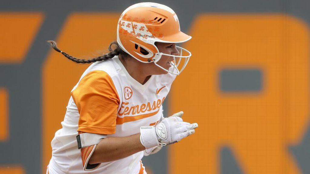 UT's Gregg wins 2018 Senior CLASS Award in softball