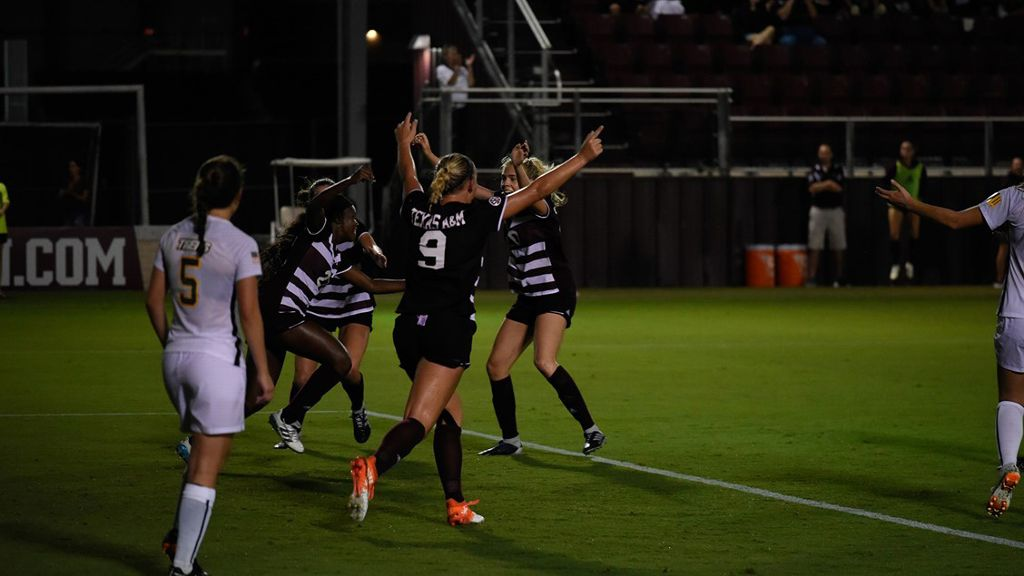 Aggies start season 7-0-0 for first time since 1997
