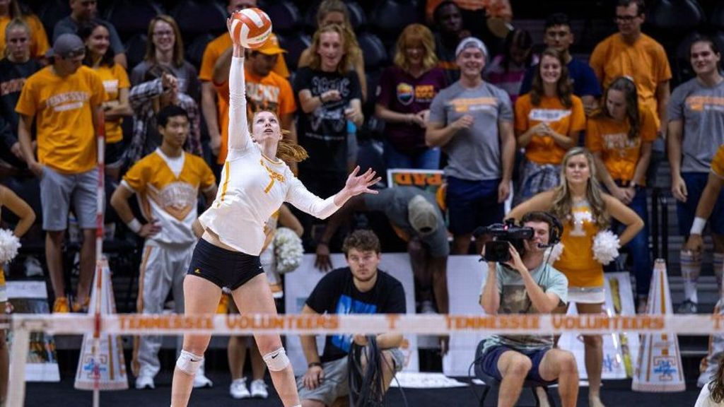 Tennessee tops Miss State in straight sets
