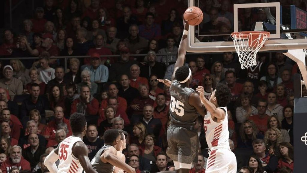 No. 25 Bulldogs top Flyers on the road