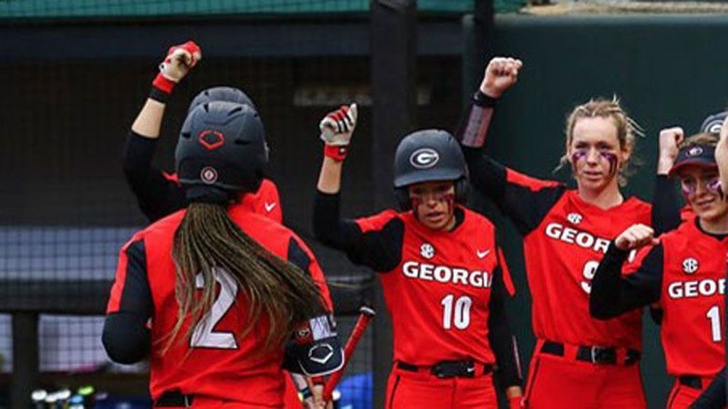 No. 9 Georgia knocks off Winthrop, Omaha