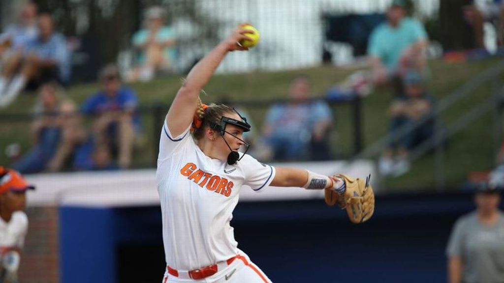 No. 3 Florida perfect on day one