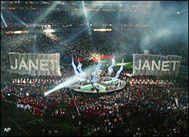 The atmosphere was electric as the crowd anxiously awaits Janet's special guest.