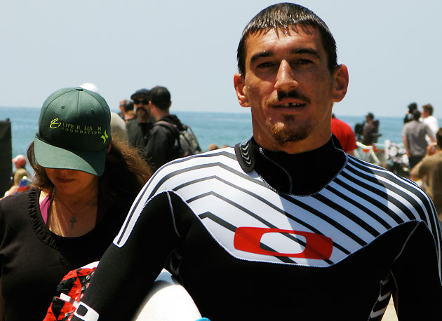 It's been a lot harder than I thought, explained Dustin Barca today after losing out in his Round of 96 heat. This whole year, I just can't seem to get the ball rolling. But I'm headed to Tahiti now, I can't wait to finally get barreled.