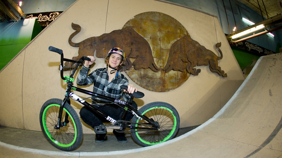 /photo/2011/0218/as_bmx_bezanson1_576.jpg