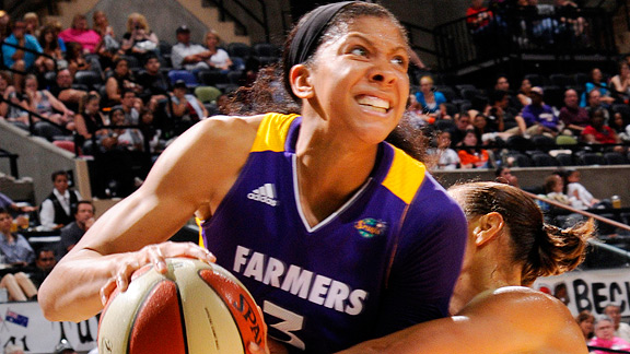 Los Angeles Sparks' Candace Parker sustained a knee injury on Sunday in the team's loss to the New York Liberty.
