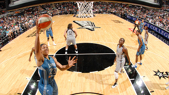 Maya Moore scored 19 points to help Minnesota to a win over the Silver Stars on Sunday, which clinched the top playoff spot for the Lynx.