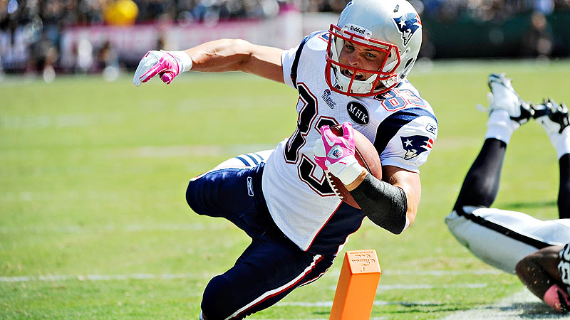 Welker leads Patriots
