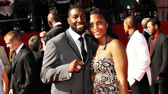 Greg Jennings proposed to his wife, Nicole, during a Mother's Day dinner with their families and friends.