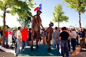 Fan Statue