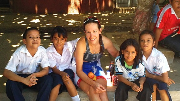 Bertine met some new friends in El Salvador. Who knows ... maybe some of them will become aspiring cyclists.