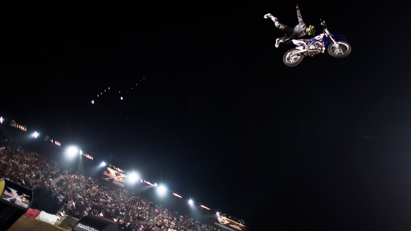 /photo/2012/0413/as_moto_xfighters7_800.jpg