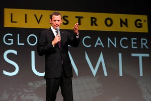 Minutes before Nike cut ties with Lance Armstrong, the cyclist stepped down as chairman of Livestrong.