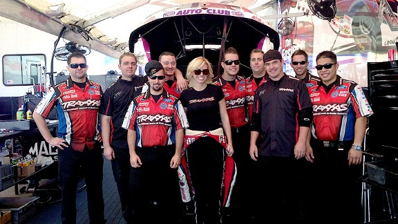 Courtney Force hopes to help her team win the Full Throttle Hard Working Crew Award.